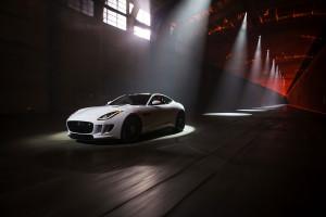 Znakomstvo s Jaguar F-Type