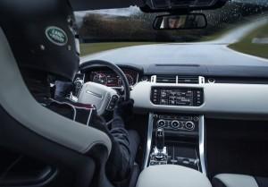 Land_Rover-Range_Rover_Sport_SVR_2015_Krasnodar7